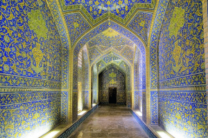 The-Sheikh-Lotfollah-Mosque-in-Isfahan